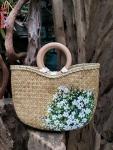 Túi xách cỏ bàng vẽ hoa quay gỗ (25cm x 30cm)